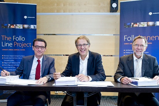 Contract signing. From the left: Europe Area Director Mr. José Emilio Pont Pérez of Obrascón Huarte Lain S.A., Deputy Director General Mr. Gunnar Løvås of NNRA and Project Director of the Follo Line Project Mr. Erik Smith of Norwegian National Rail Administration (NNRA). (Photo: Jon Olav Nesvold, NTB.)